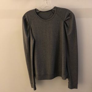 Lululemon gray LS top, sz 6, 64583